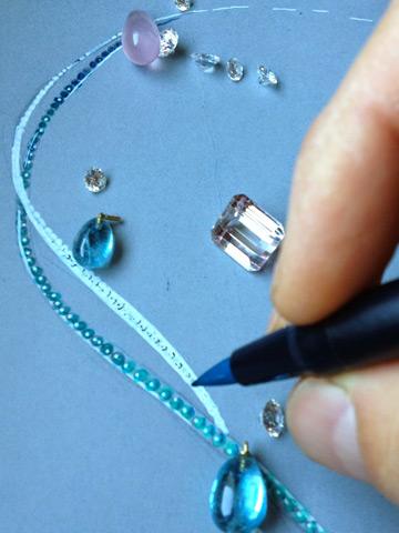 Dessin d'un collier en diamants